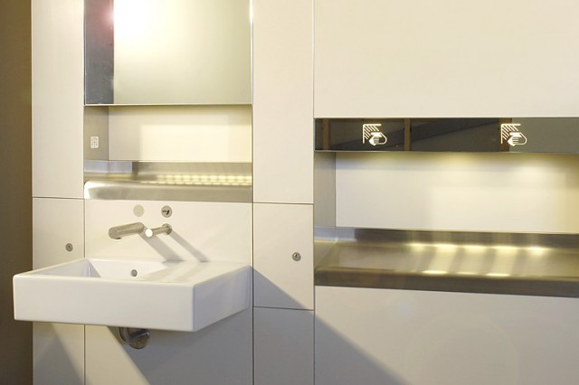 Heathrow T5 washstand and dryer modules