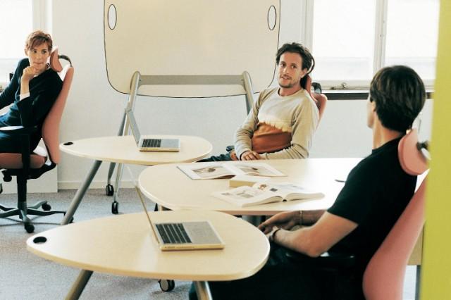 Kinnarps plus[e] furniture for collaborative spaces
